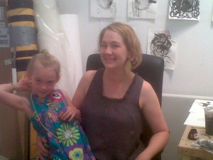 tARTist Monica Carrier in her studio with her daughter Lola.